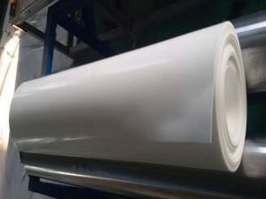 聚四氟乙烯板分为模压板和车削板